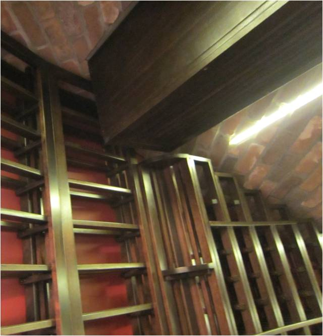 Wine Cooling Unit from US Cellar Systems with Housing